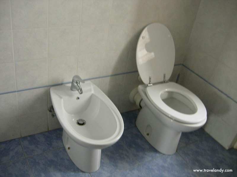 Italian Bidet And Toilet