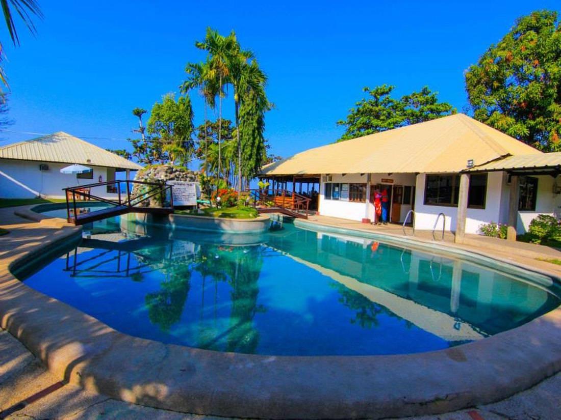 4605734 Hotel China Beach Retreat