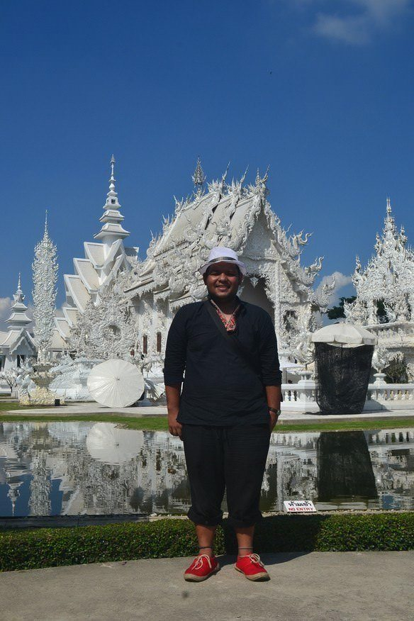 (Left: My picture in the White Temple that Sabrina Pilz from Austria took. Right: Her picture which I took.)