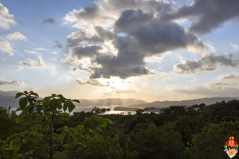 5_arenal_park_lake_lookout