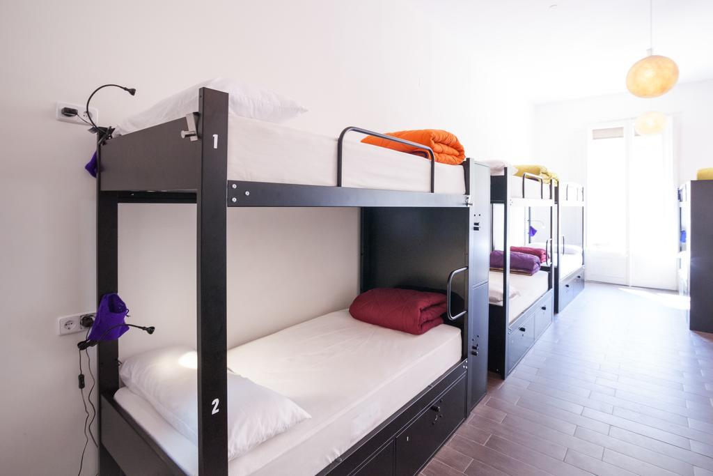 List of The Best Hotels and Hostels in Barcelona, Spain – From €11! 4