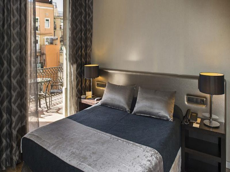 Ultimate List of The Best Hotels and Hostels in Barcelona, Spain – From €11!
