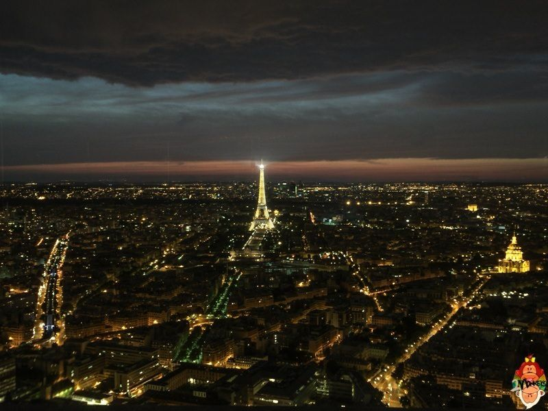 7 things to do in Paris, France - View the Eiffel Tower from the Montparnasse Tower