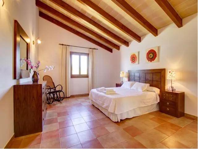 Two Monkeys Travel - luxury villa in mallorca 27