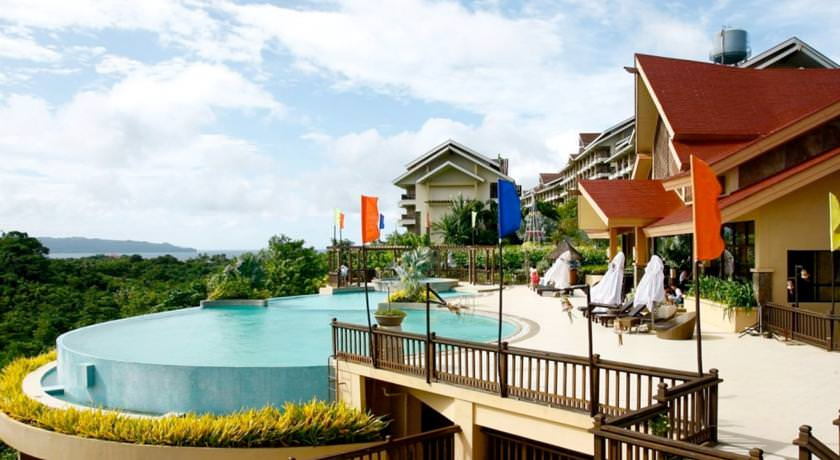 Ultimate List of the Best Luxury Hotels in Boracay 29