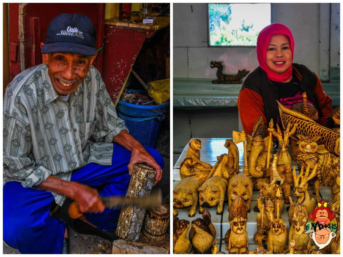 Friendly sellers in Tangkuban Perahu.