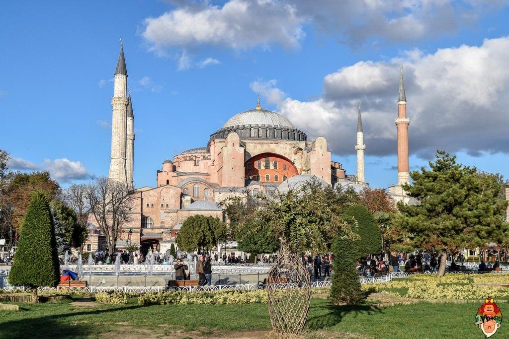 Two Monkeys Travel - Istanbul 15