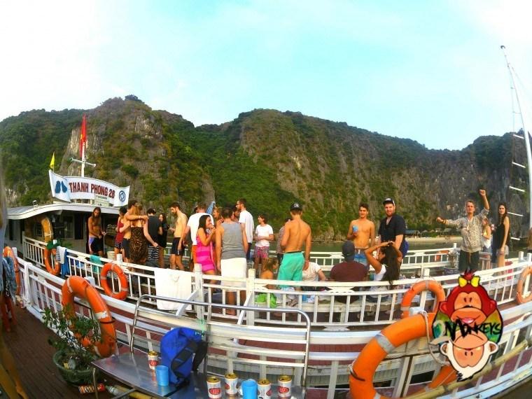 Ha Long Bay – Castaway Island Review 1