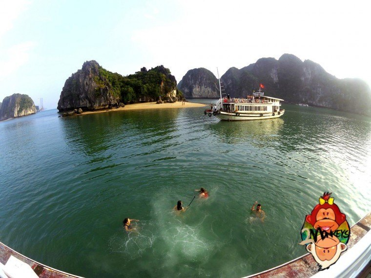 Ha Long Bay – Castaway Island Review 17