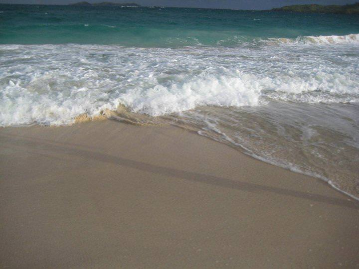 awesome things to do when stranded in an island calaguas 10