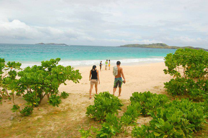 awesome things to do when stranded in an island calaguas 7