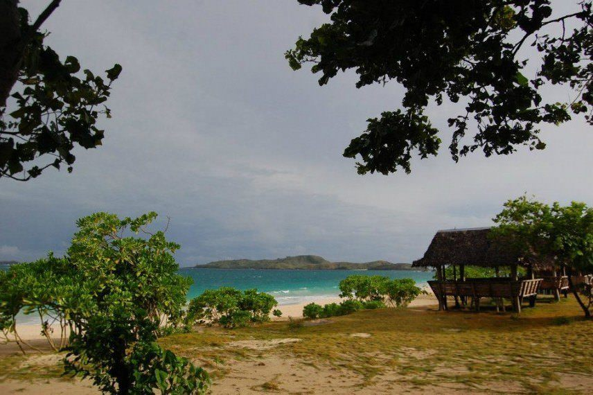 awesome things to do when stranded in an island calaguas 8