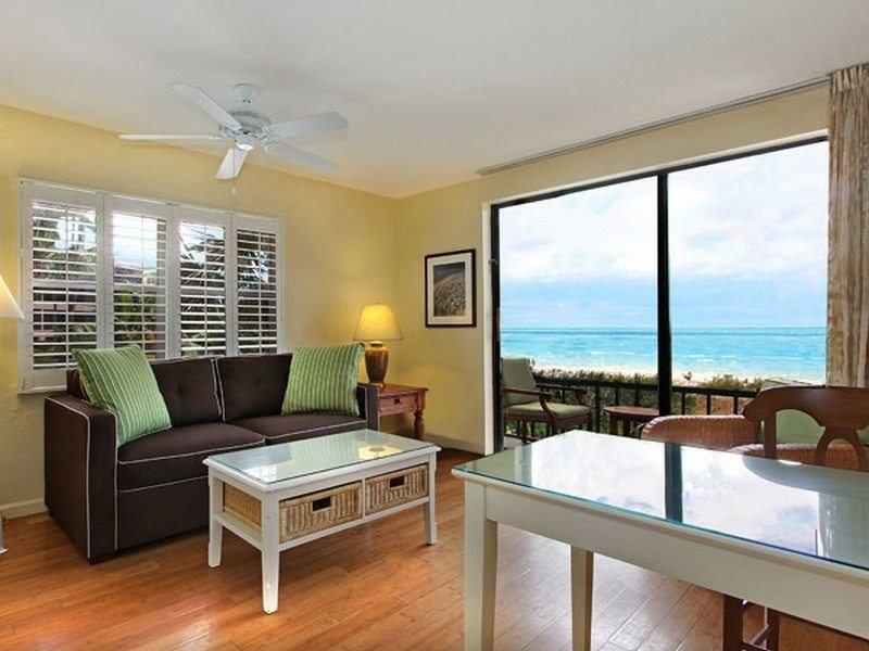 Two Monkeys Travel - Luxury hotel Review - Sanibel - Sanibel Inn 1