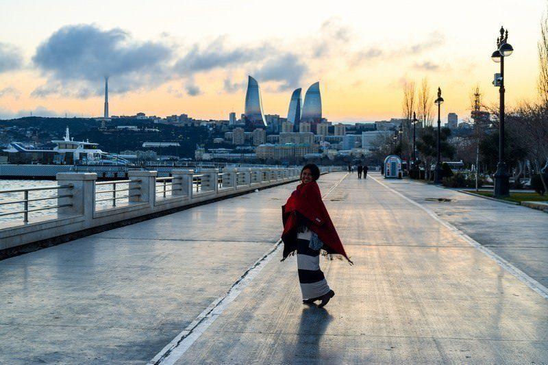 Two Monkeys Travel - Asia - Azerbaijan - Baku a 1