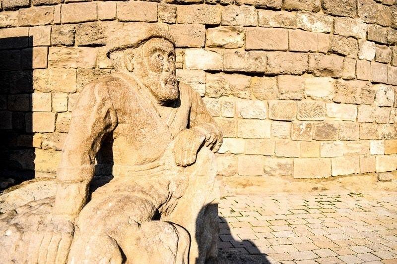 Two Monkeys Travel - Asia - Azerbaijan - Baku a 3