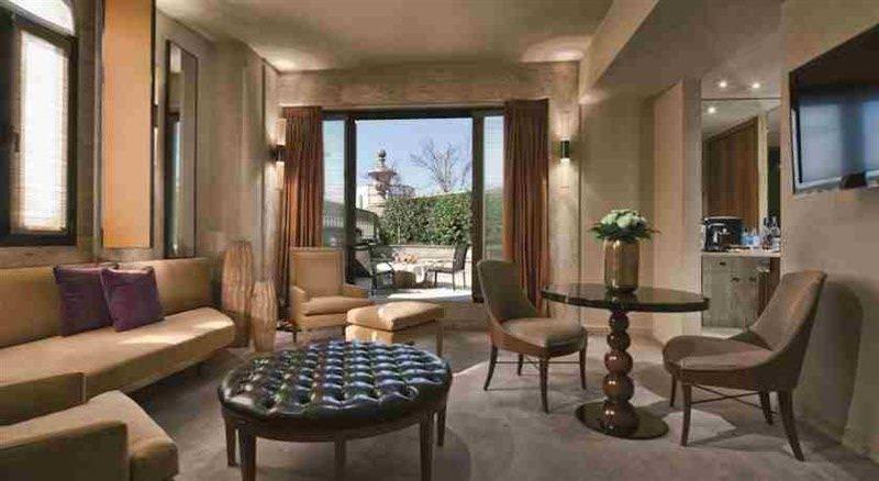 Ultimate List of Best Luxuy Hotels in Italy 12-Park Hyatt