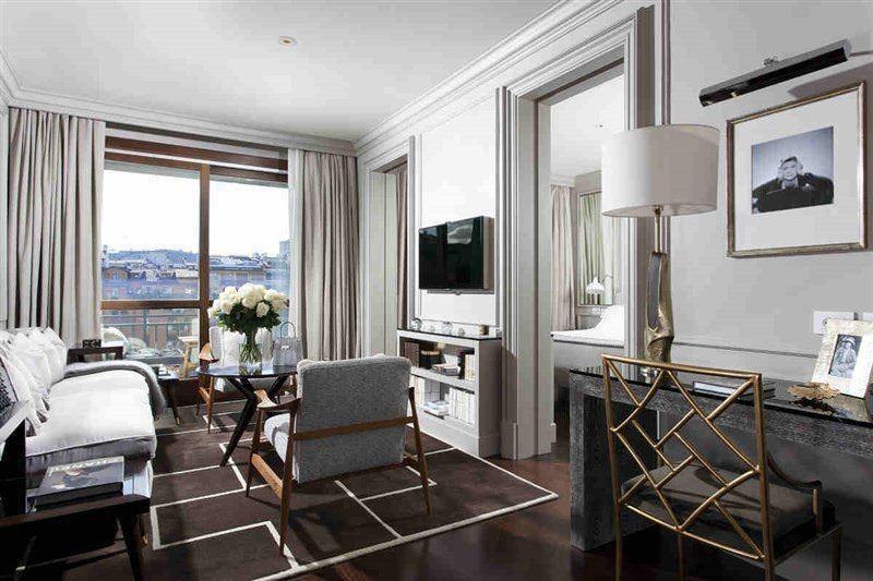 Ultimate List of Best Luxuy Hotels in Italy 6-Portrait Firenze