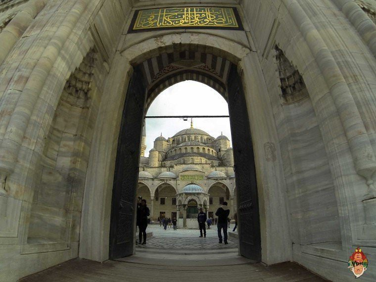 Wandering Off the Beaten Track in Istanbul