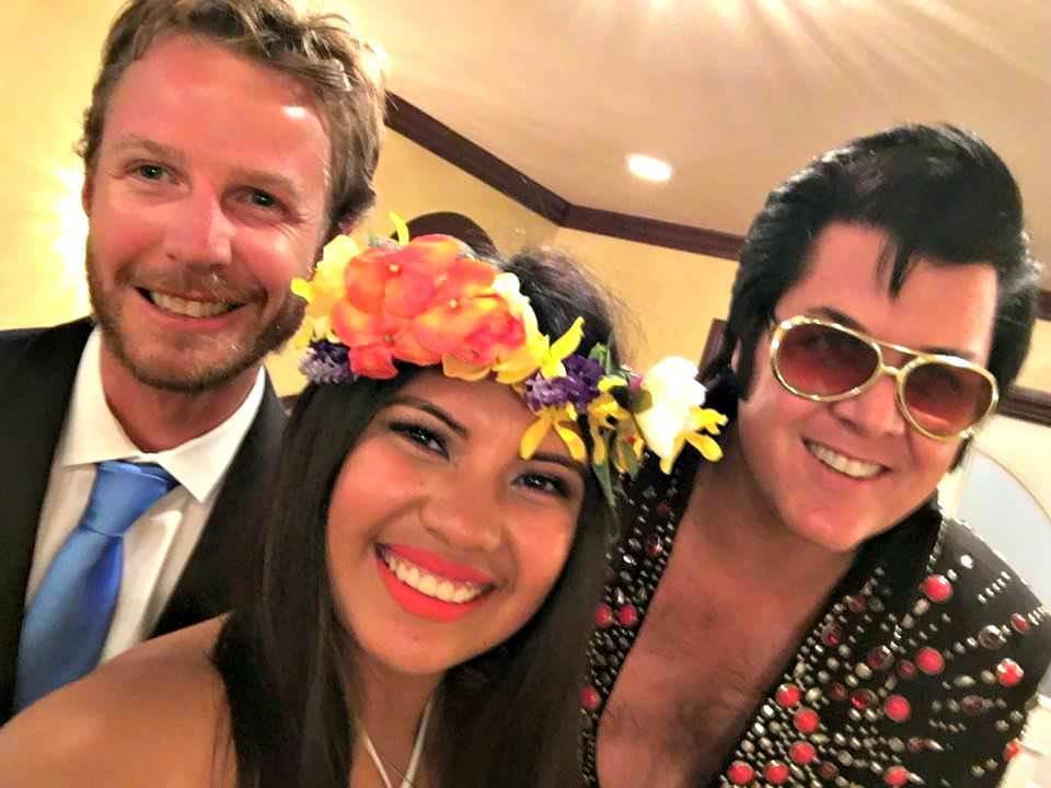 How to get married by Elvis in Las Vegas