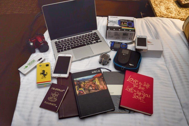 Travel Gadgets Of Two Monkeys 6