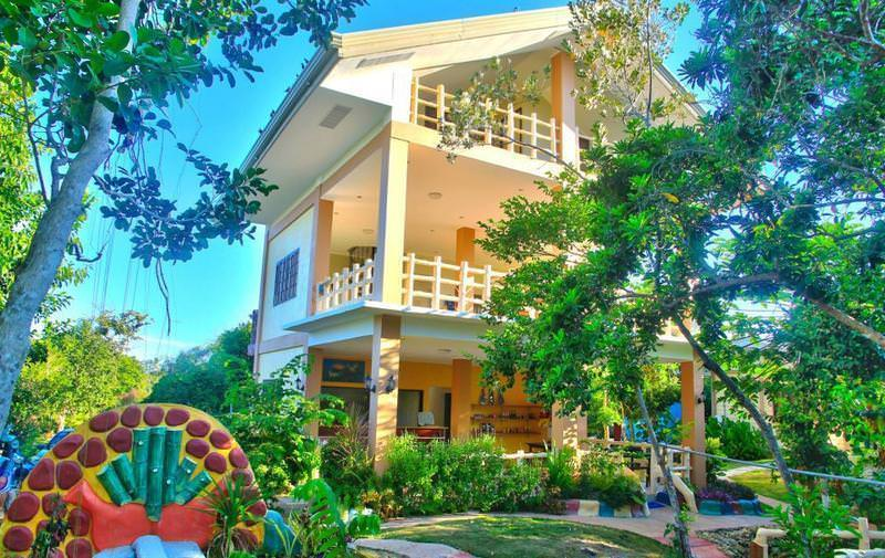 Ultimate List of the Best Hostels in Bohol, Philippines