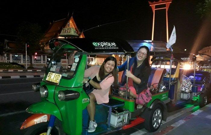 Exploring Bangkok, Thailand at Night on Tuktuk 3