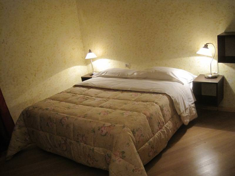 21 Best Backpacker Hostels for Romantic Couples in Europe