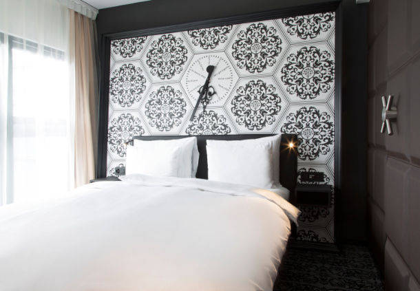 Burlesque Suite of Grand Kameha Zurich – most unique hotel room in Europe