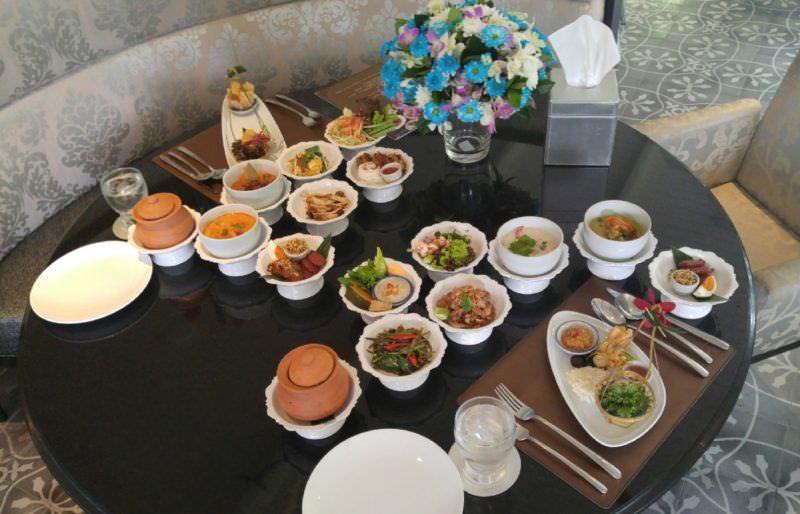 luxury-hotel-review-hua-chang-heritage-hotel-bangkok-thailand-18