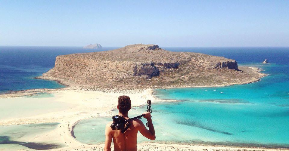 Two Monkeys Travel - Live in Crete