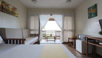 Palm Beach Resort - Best Budget Hotels in Batangas