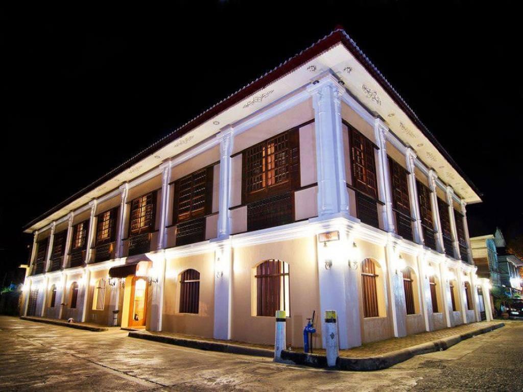 Ultimate List of Best Luxury Hotels in Vigan Hotel Felicidad