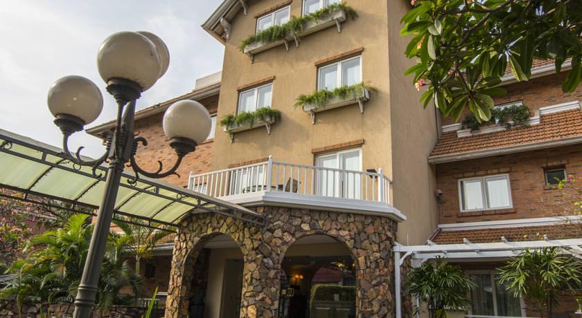 ultimate list of best luxury hotels in Asuncion Villa Morra Suites
