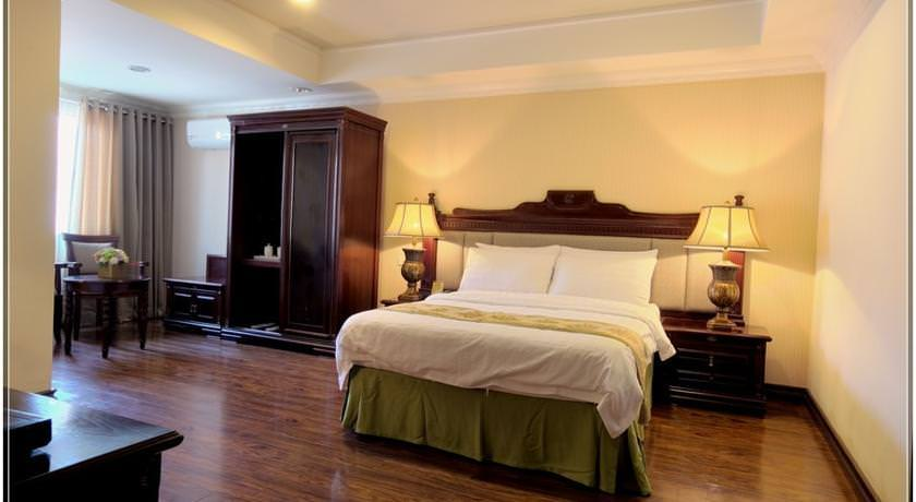 ultimate list of best luxury hotels in Naga Villa Caceres Hotel