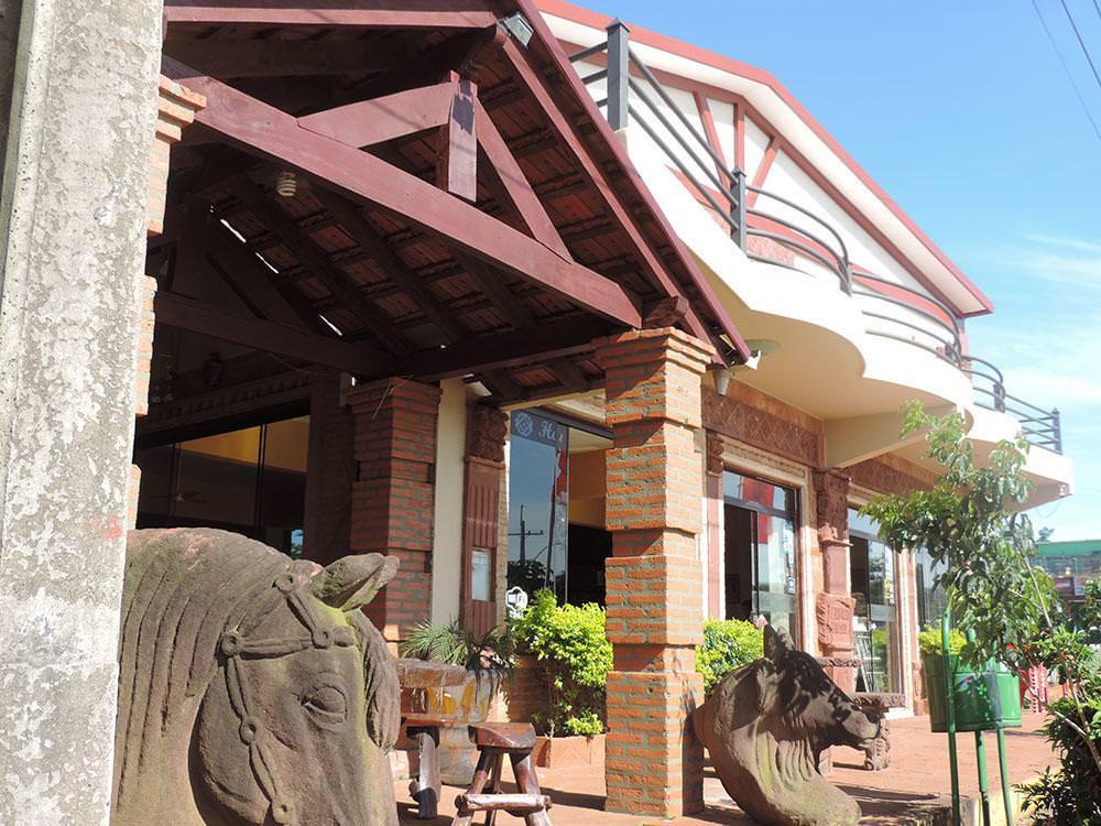ultimate list of best luxury hotels in San Ignacio Piringo Hotel