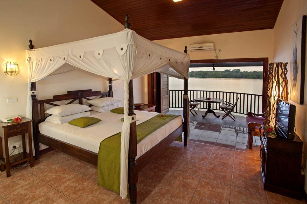 Ultimate List of Best Hotels in Vanuatu Sunset Bungalows Resort