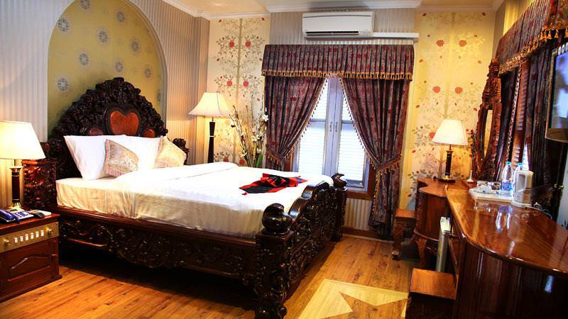 Ultimate List of Best Luxury Hotels in Cambodia, Battambang, King Fy Hotel