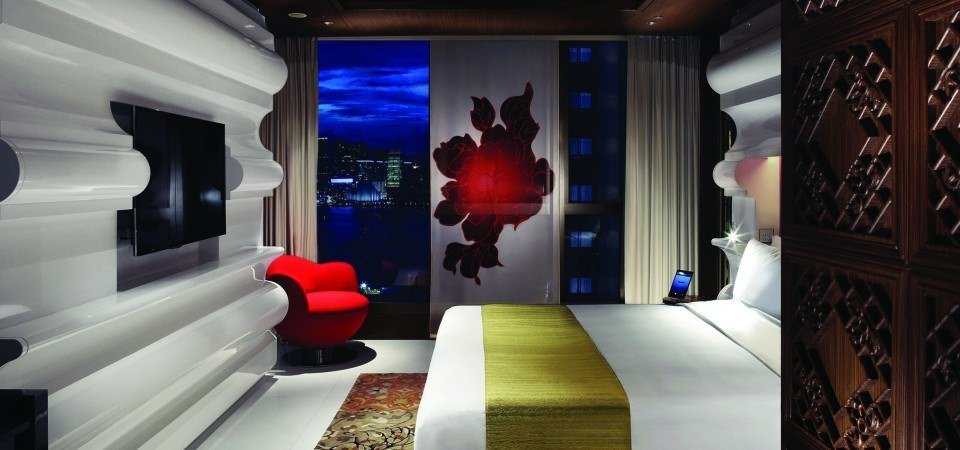 Ultimate List of Best Luxury Hotels in China, Hong Kong, Mira Moon