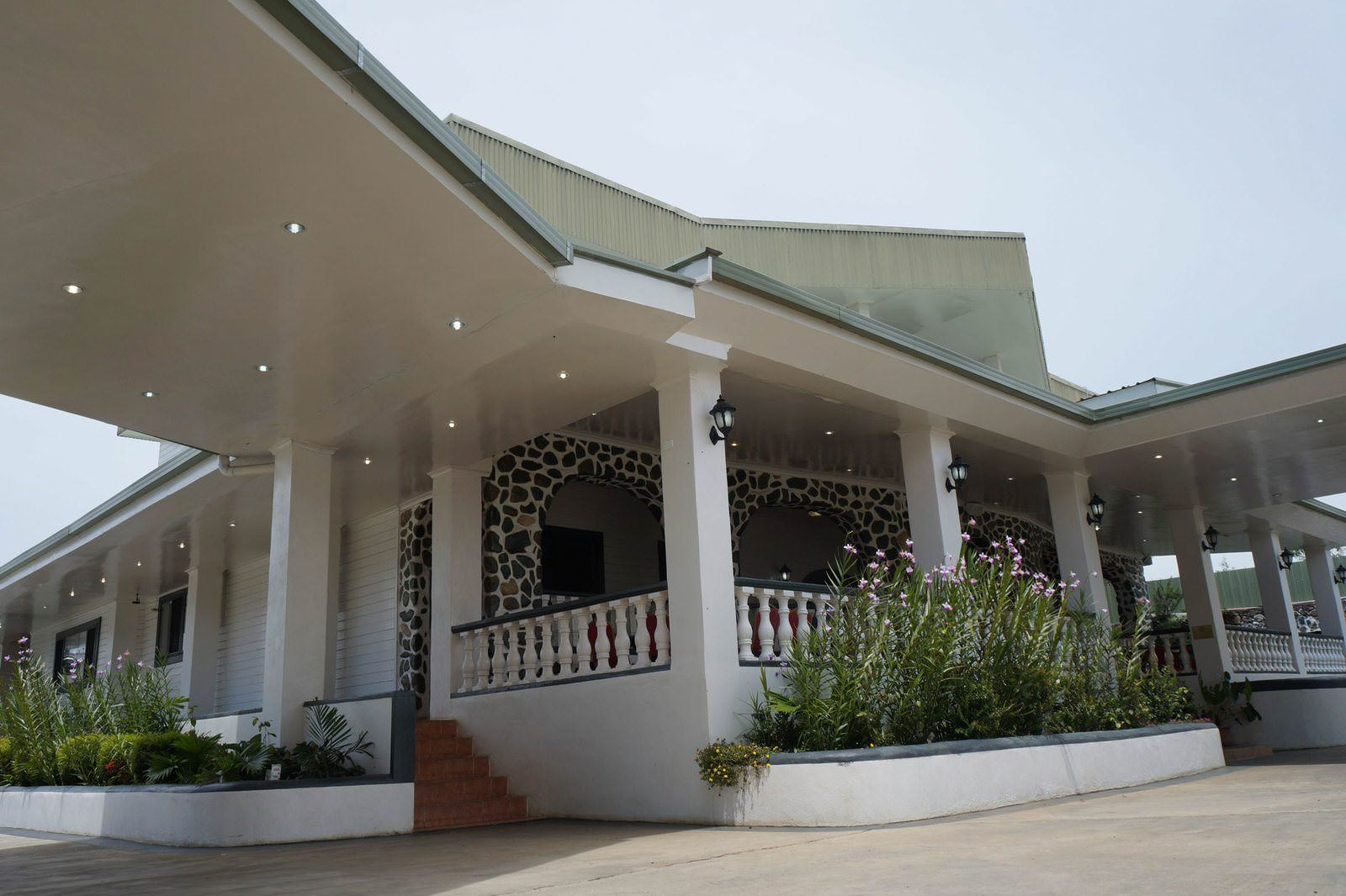 Ultimate List of Best Luxury Hotels in Mt Hagen Papua New Guinea McRoyal Hotel
