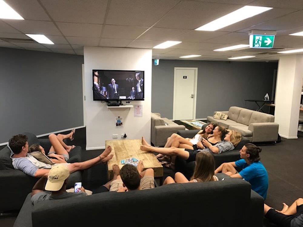Ultimate list of best backpacker hostels in Gold Coast, Australia_Down Under Gold Coast