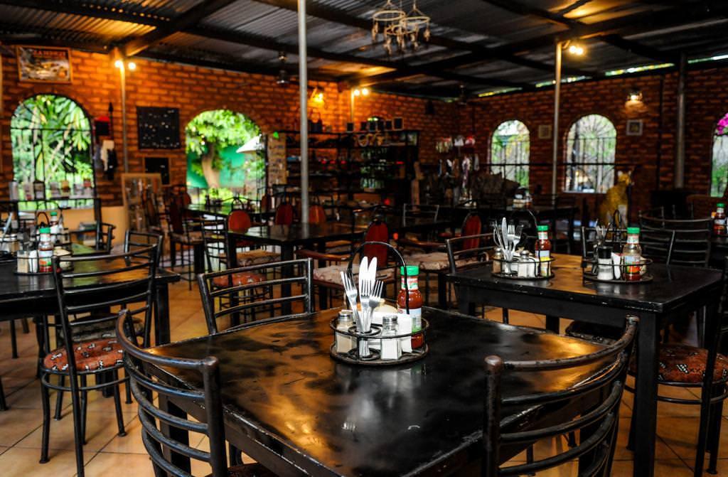 Ultimate list of best luxury hotels in Livingstone, Zambia_Zigzag Town Lodge