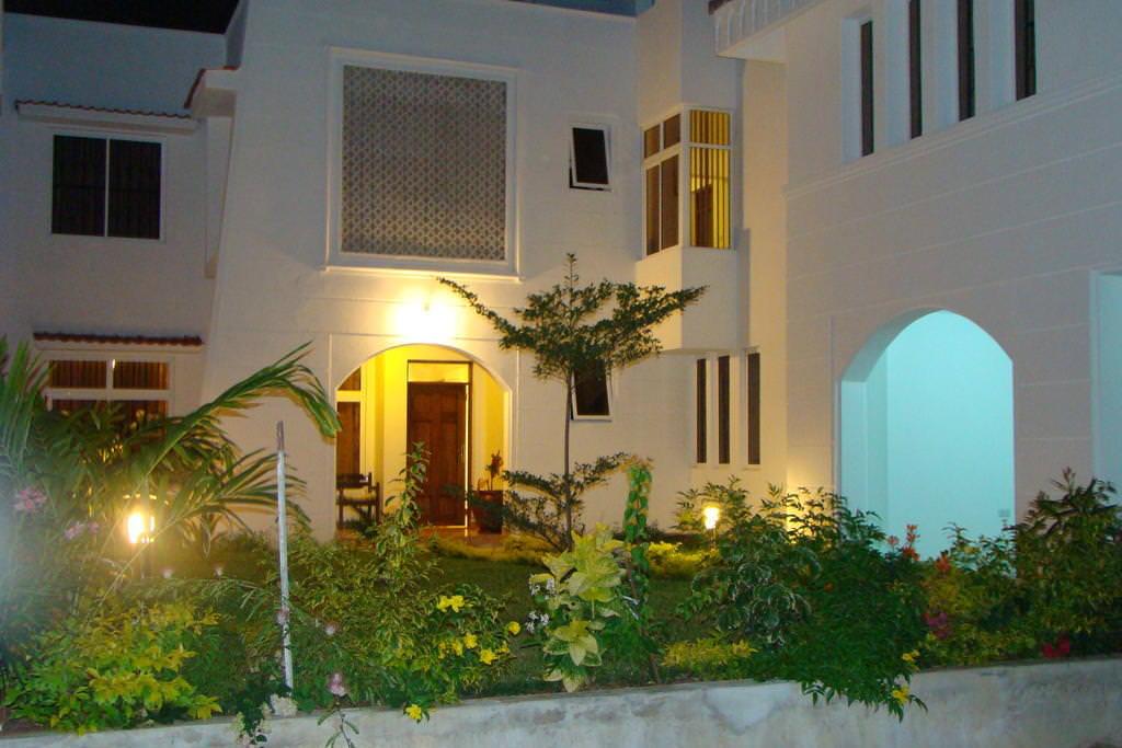 ultimate list of best (luxury or backpacker) hotels (or hostels) in (Mombasa, Kenya) (Nyali Villas)
