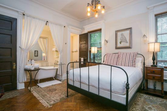 Best List of Hostels in Brooklyn, New York - Lefferts Manor Bed & Breakfast