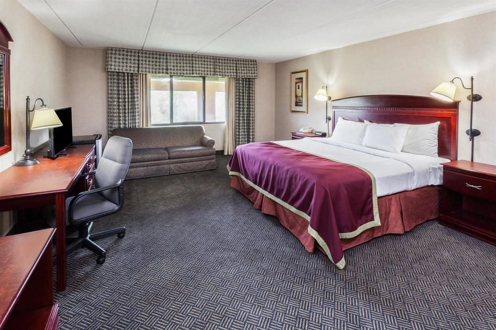 Ultimate List of Best Luxury Hotels in Franklin, Michigan City, Baymont Inn & Suites Michigan City