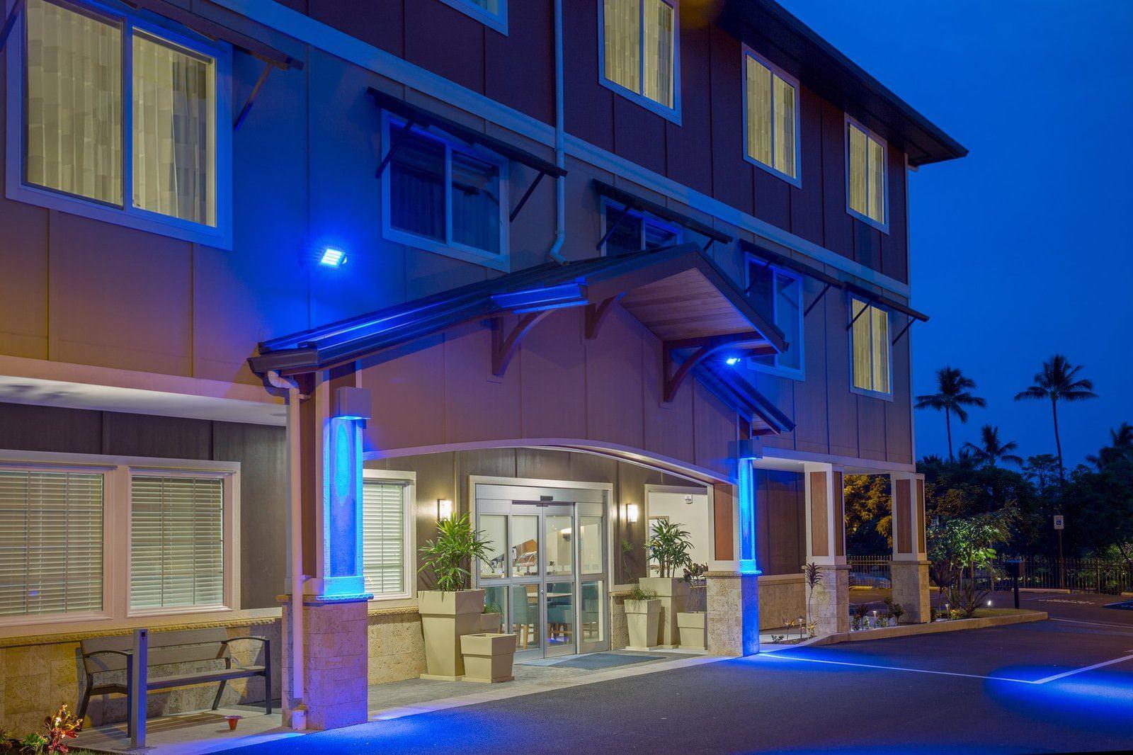 Ultimate List of Best Luxury Hotels in Hilo, Hawaii, Holiday Inn Express & Suites Kailua-Kona
