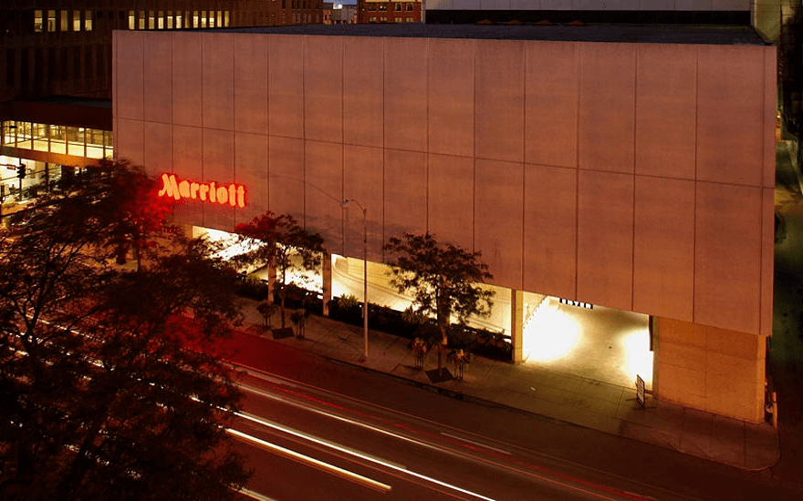 Ultimate List of Best Luxury Hotels in Iowa, USA Des Moines Marriott Downtown