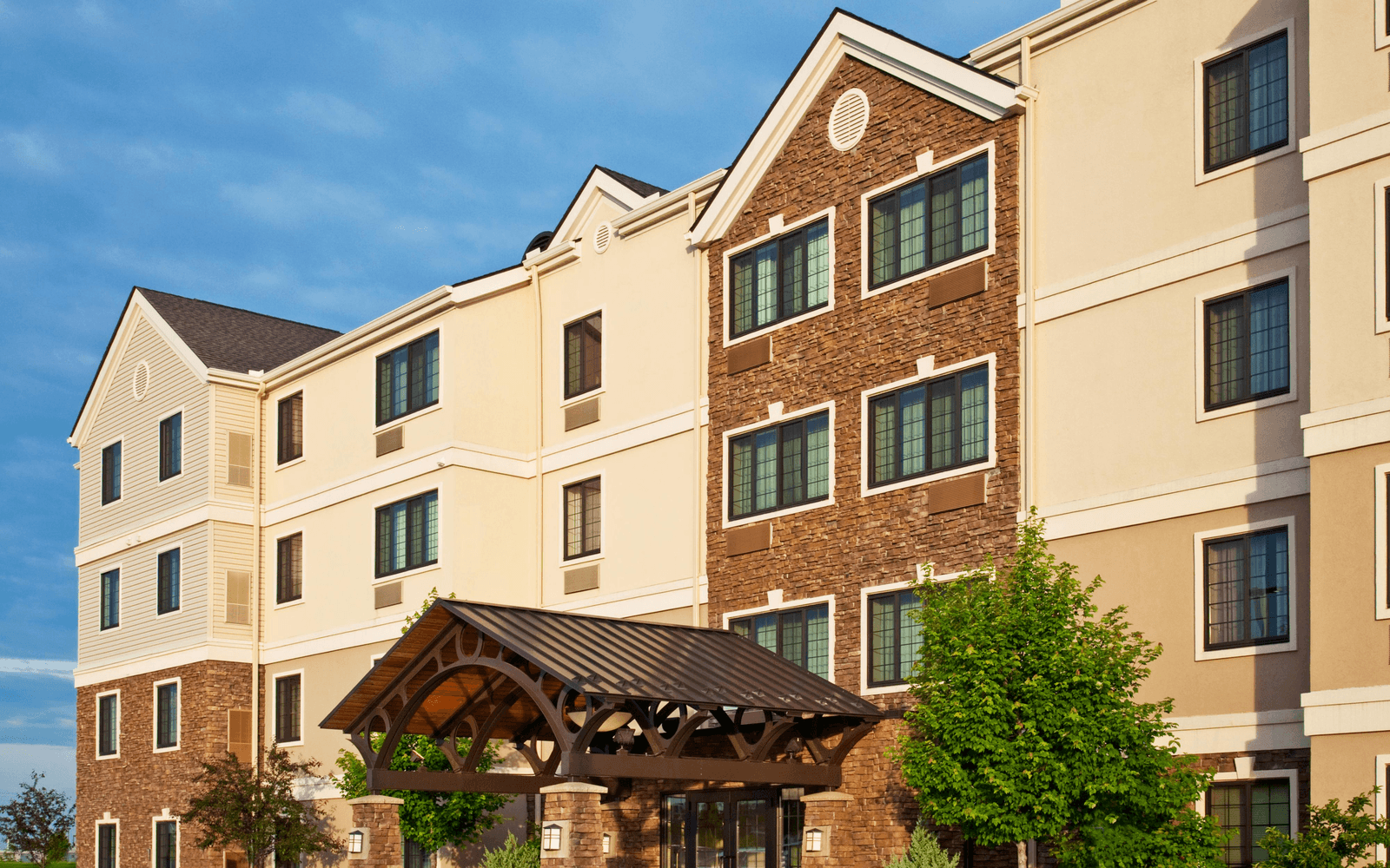 Ultimate List of Best Luxury Hotels in Iowa, USA Staybridge Suites Davenport