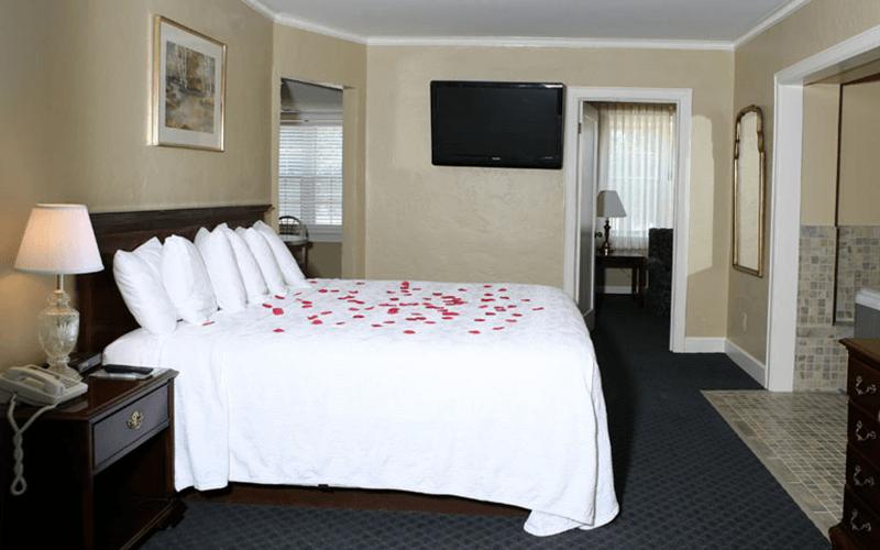 Ultimate List of Best Luxury Hotels in Kansas, USA Senate Luxury Suites Topeka
