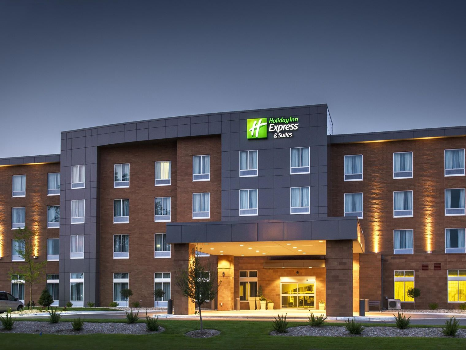 Ultimate List of Best Luxury Hotels in Madison, Georgia, Holiday Inn Express Madison
