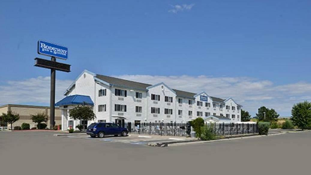 Ultimate List of Best Luxury Hotels in Nampa City, Idaho, Rodeway Inn & Suites